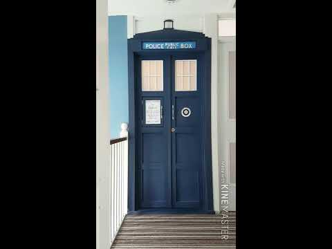 Moving house with a TARDIS