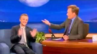(中字)when Tom Felton saw the photo about Draco and Harry! haha funny!