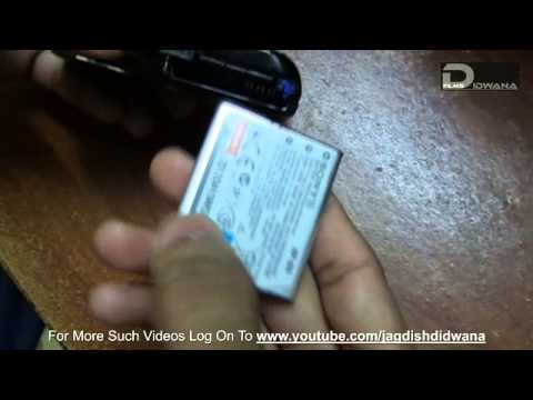 Tech Master - How to insert Memory Card and Battery in Digital Camera.