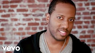 Isaac Carree - In The Middle (Official Video)