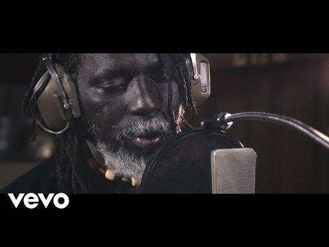 Tiken Jah Fakoly - Is It Because I'm Black? ft. Ken Boothe