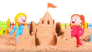 GIRLS MAKING A SAND CASTLE ❤ PLAY DOH CARTOONS FOR KIDS