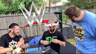 HILARIOUS REACTIONS TO WWE SHOP UNBOXING! REPLICA BELTS AND MASKS!