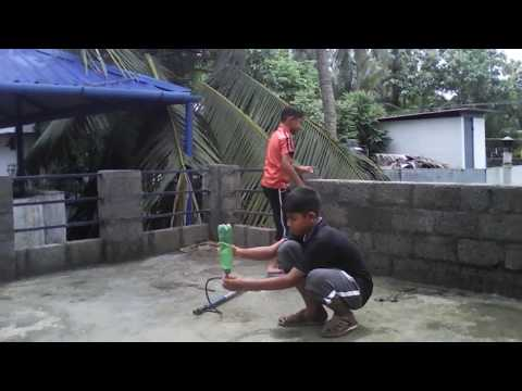 How to make a Super water rocket with a plastic bottle/ Plastic bottle rocket tutorial