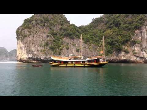 Szenen aus der Ha Long Bay / Cat Ba Island in Vietnam