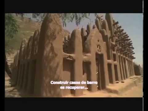How Africans build cob houses/ Как африканцы строят саманные дома (Part 2)