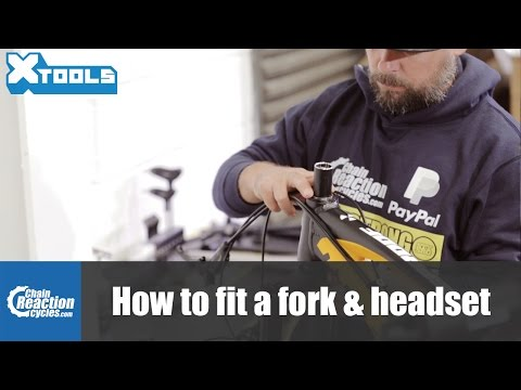 How to fit a MTB fork and headset