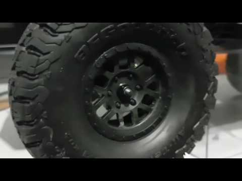 HOW TO REMOVE AXIAL SCX10 II TIRES!!