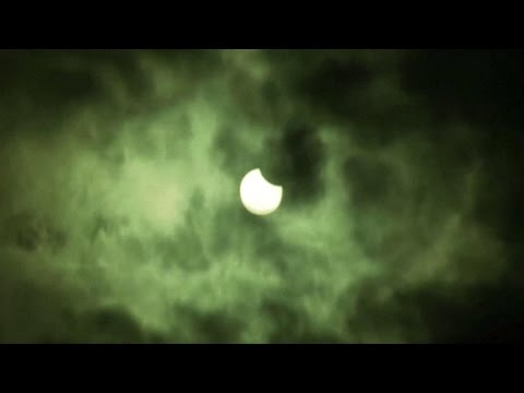 The Solar Eclipse in Less Than a Minute