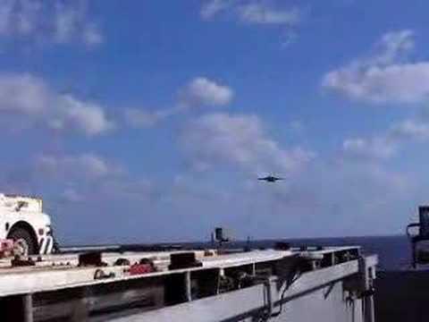 F-14 Tomcat no wing landing