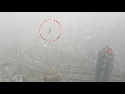 Strange UFO in the sky in KUALA LUMPUR - MALAYSIA !!! February 2018