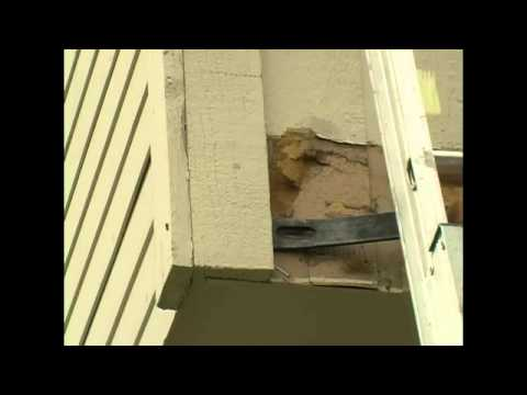 How to Remove Side Trim Board when Replacing the Siding on your House : DIY