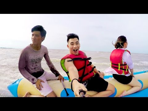 FIRST TIME RIDING BANANA BOAT