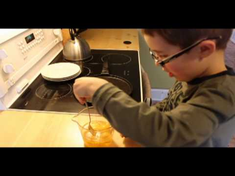 KIDS! How to Make Scrambled Eggs!