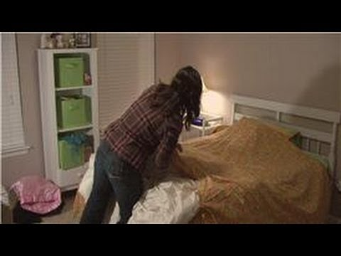 Housekeeping Tips : How to Put a Duvet Cover on Easily