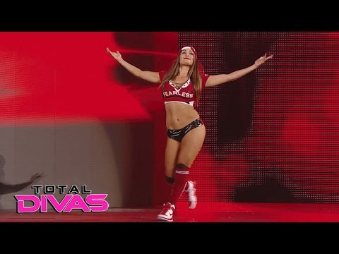 Xxx Mp4 Nikki Bella Returns To The Ring Total Divas May 10 2017 3gp Sex