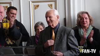 Leopold Chalupa erhält den Ehrenring des Vereins