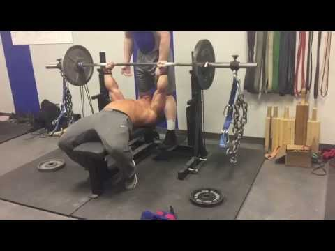 Powerlifting Bench Press, Bands and chains.