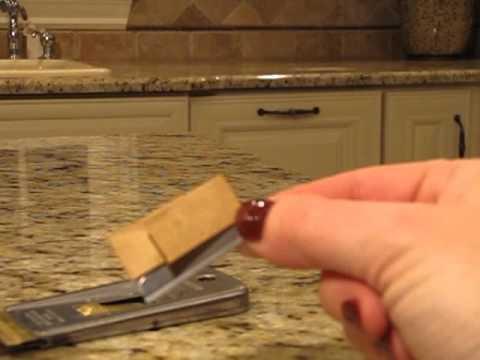 How to Change a straight razor blade - HIP Chicks