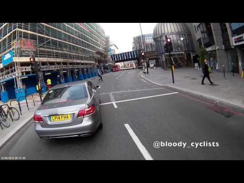 TfL Private Hire Car Driver Jumps Red Light (LP14 FHA)