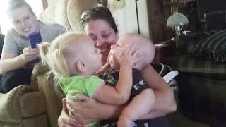Download Aşırı Komik Bebek u - Bebeklerin Komik Anları Video