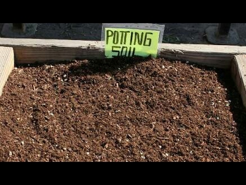 HOW TO MAKE YOUR OWN 100% ORGANIC POTTING SOIL MIX