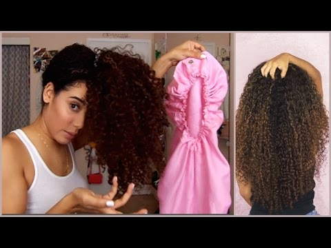 How to Sleep with Long Curly Hair   How to Preserve Curls