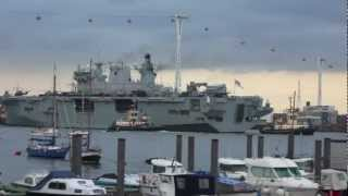 Ship video - HMS Ocean passes the Thames Barrier and arrives in London 13 July 2012