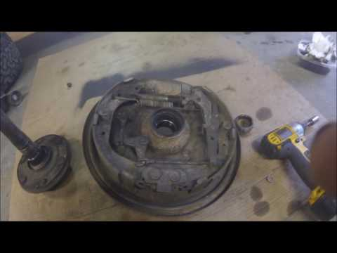 Replacing 1987 Toyota 4Runner Rear Wheel Bearings and Differential.