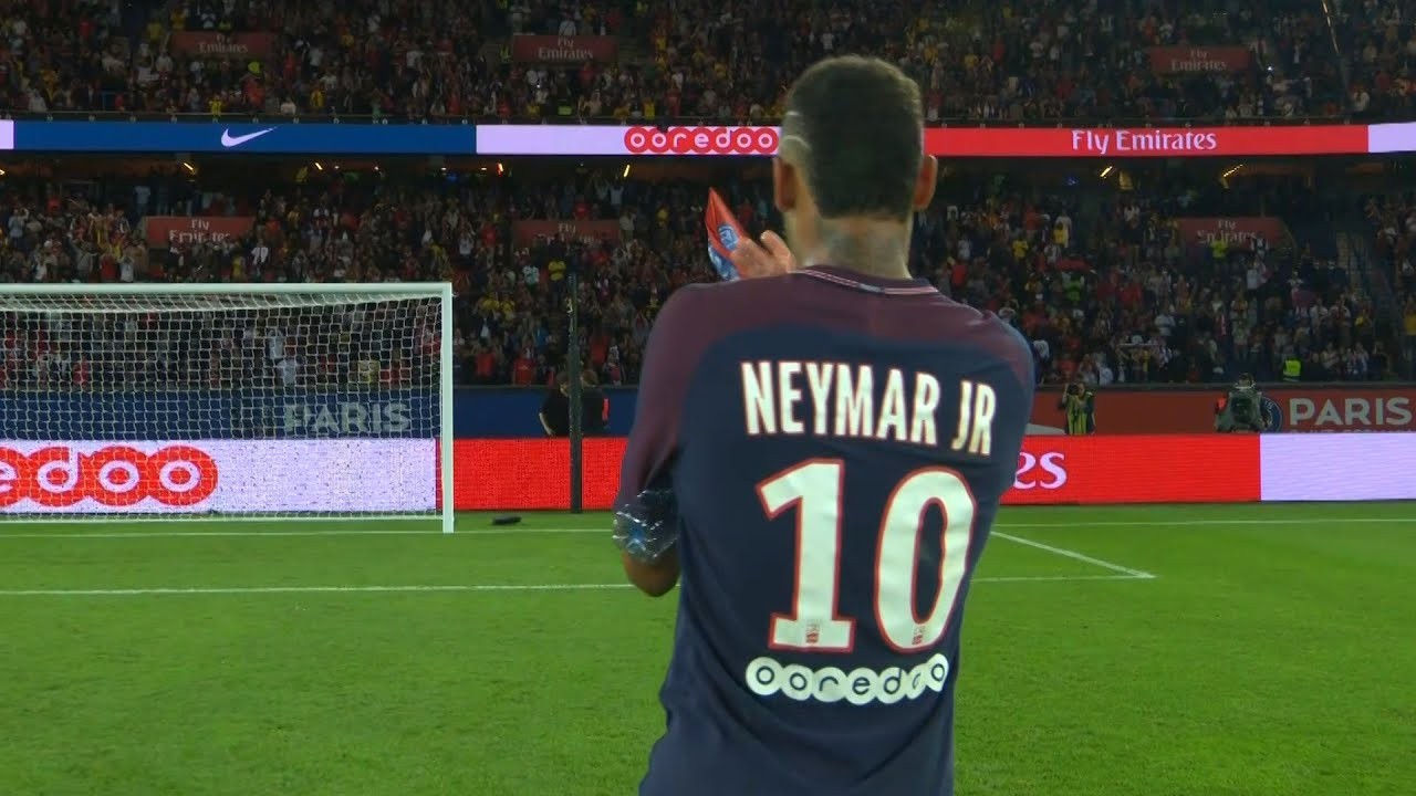 The Day Neymar Impressed The PSG Fans!