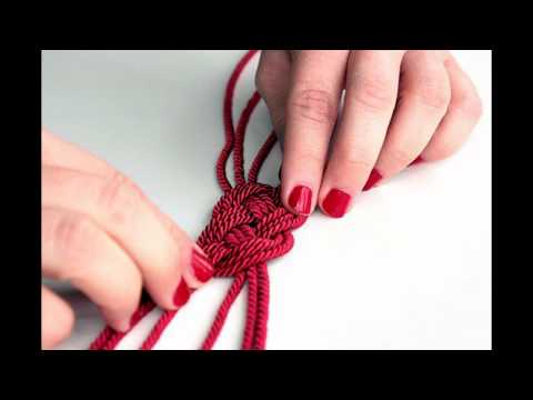 How to make yarn necklace?