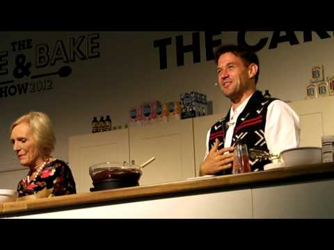 Mary Berry making a meringue roulade part 2.MP4