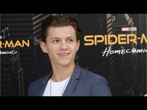 'Avengers' Star Makes Fun of Tom Holland's Underwear