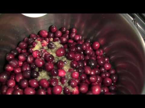 The Best Christmas Cranberry Sauce Recipe