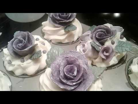 Soap Cupcakes - Purple Rose embeds, Lavender Essential Oil, cold process / How to / Make