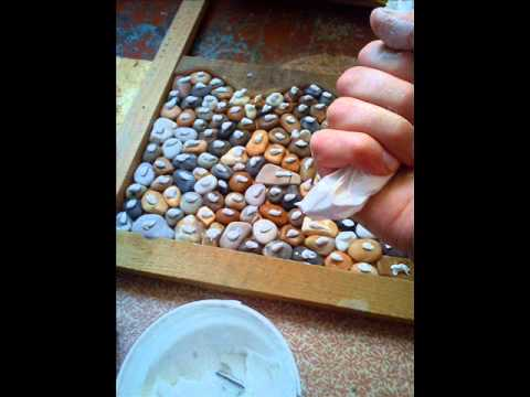 Make pebble floor in shower room