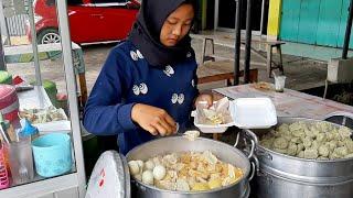 Download MURAH BANGET !!! HARGA 15 RIBU DAPAT SIOMAY PAKAI TELOR DAN ES CENDOL - INDONESIAN STREET FOOD Video