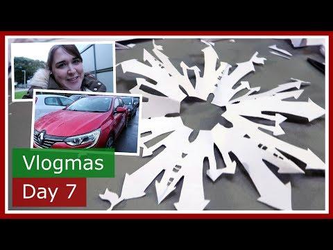 Vlogmas 2017 Day 7 | Disney snowflakes car hunting and Premier Inn room tour | The British Life