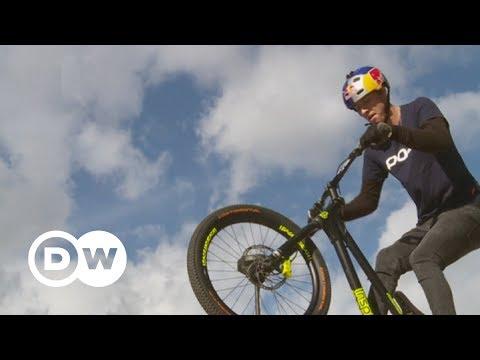 Fabio Wibmer: Internetstar mit Bike-Stunts | DW Deutsch