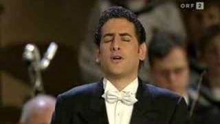 """Juan Diego Florez sings """"Ave Maria"""""""