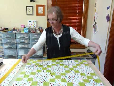 How to measure a quilt top for borders - Quilting Tips & Techniques 084