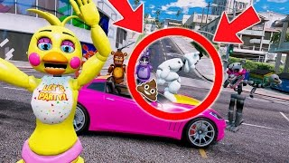 WHITE FREDDY POOPS ON CHICA