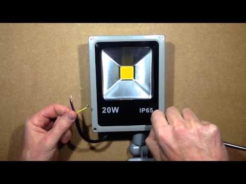 Ebay LED floodlight scam warning.