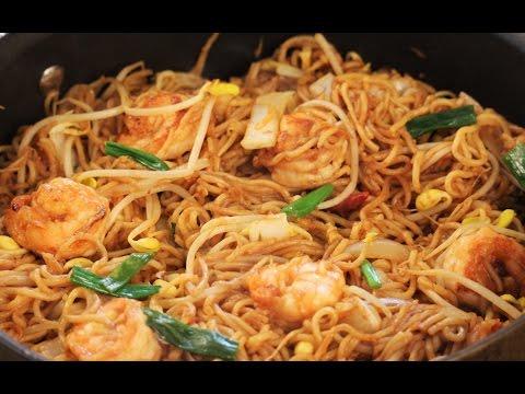 Asian Fusion Shrimp And Noodles Stir-Fry With Blac