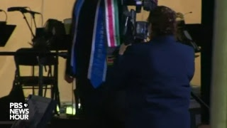 watch live hillary clinton delivers commencement speech at wellesley college