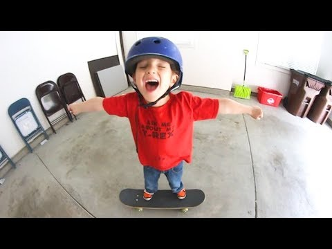 5 YEAR OLD LEARNS NEW SKATE TRICK!