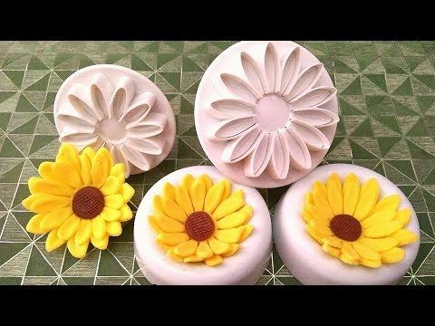 How to make Fondant Sunflowers using plunger cutters. Sugarpaste Sunflowers