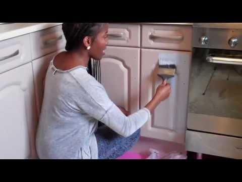 Annie Sloan chalk paint kitchen cabinet/cupboard makeover and chalk paint on kitchen tiles part 1