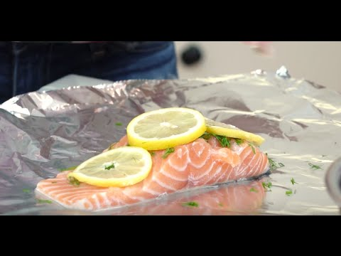 Grilled Salmon in Foil With Lemon & Dill