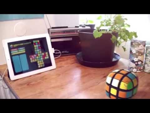 iPad solving a motorized Rubik's Cube